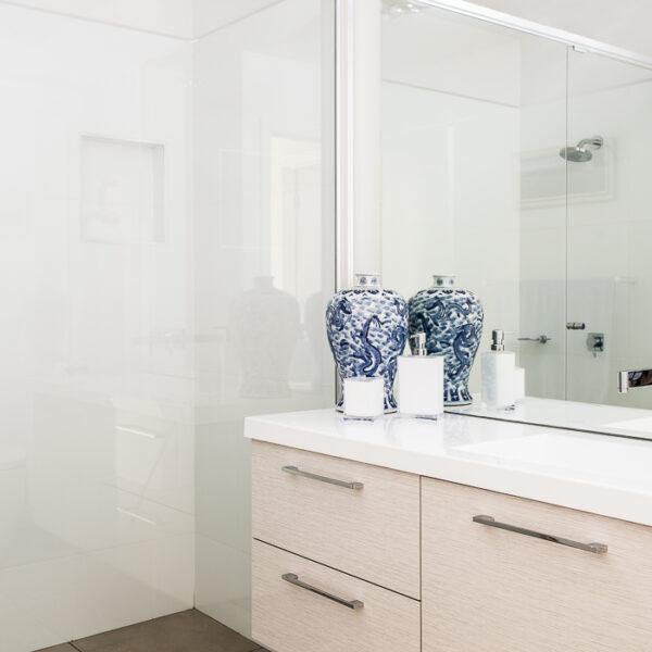 new custom home builder bathroom